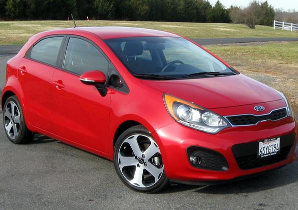 Аренда автомобилей: KIA Sportage или KIA Rio?