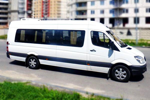 Где можно быстро арендовать микроавтобус?