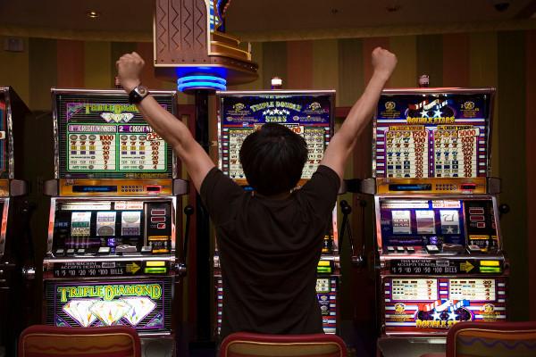 Играем на деньги в казино Азино 777