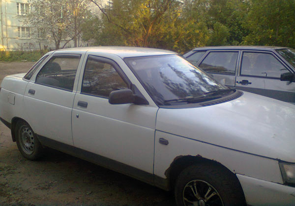 ВАЗ 2110 белый